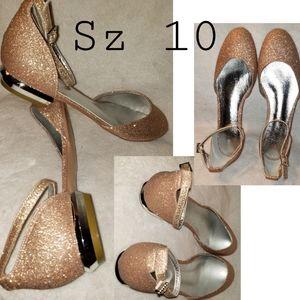 Rose gold shimmer ankle strap flats. Sz 10